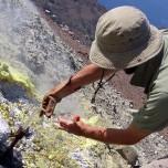 Stage di vulcanologia per le scuole sui vulcani siciliani